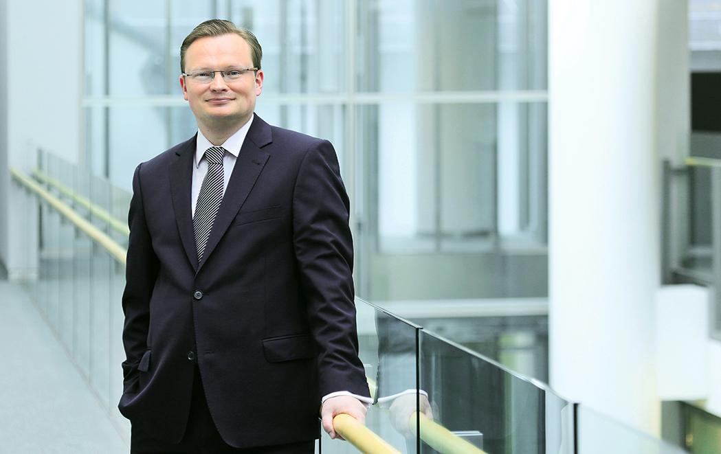 Portrait Chris-Oliver Schickentanz (Chief Investment Officer, Commerzbank AG Frankfurt), business_portrait_commerzbank_frankfurt_01_klewar-photographie