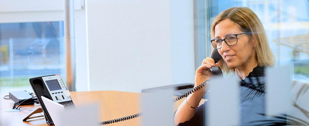 Portrait, Teamfoto, Mitarbeiterportrait, Arbeitssituation mit Mitarbeiter*innen bei Avato Germany, portrait_people_team_foto_01.1_frankfurt_klewar-photographie-618