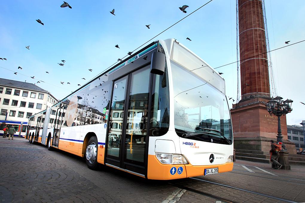 ÖPNV, neuer XXL Linienbus auf dem Luisenplatz in Darmstadt, reportage_foto_oepnv-darmstadt_verkehr_bus_klewar-photographie_frankfurt