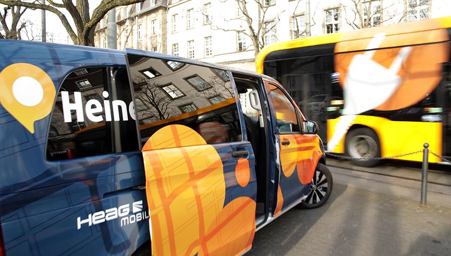 ÖPNV, Elektrofahrzeug, HeinerLiner, Parkplatz, Hauptbahnhof, Darmstadt, reportage_foto_oepnv_e-fahrzeug_darmstadt_klewar-photographie_frankfurt_Mobilo-HeinerLiner_März-21_7507