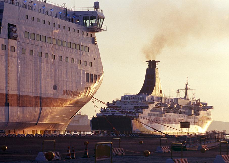 Verkehr, Traffic, Schifffahrt: Fährschiffe im Hafen von Olbia, Sardinien, Italien, reportage_foto_verkehr_faehre_faehrschiff_klewar-photographie_frankfurt
