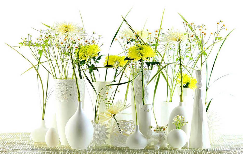 Interior; Still Life; Vasen; Gefäßen; Design-Objekte; Porzellan; Bone China; Blumen; Metall-Tisch, still-life_foto_frankfurt_blumen_01_klewar-photographie