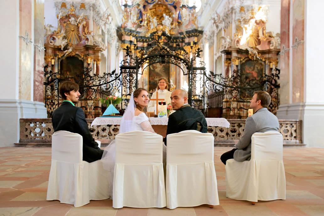Hochzeitsfotograf Frankfurt; kirchliche Trauung, Fotograf in Frankfurt; Fotograf in Klingenberg; Hochzeits-Fotograf in Miltenberg, Business-Fotograf Miltenberg; Business-Fotograf Frankfurt; hochzeit_fotograf_frankfurt_klewar-photographie