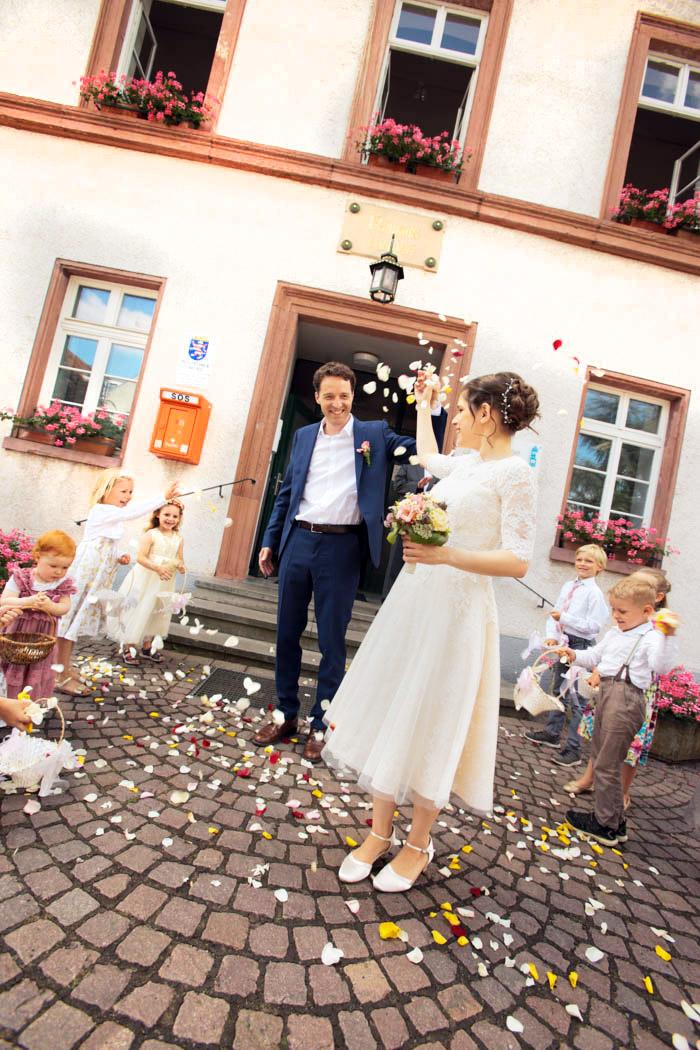 Hochzeits-Reportage, standesamtliche Trauung, Hochzeitsfotograf Frankfurt; Fotograf in Frankfurt; Fotograf in Klingenberg; Hochzeits-Fotograf in Miltenberg, Business-Fotograf Miltenberg; Business-Fotograf Frankfurt; hochzeit_fotograf_frankfurt_klewar-photographie